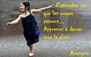 confiance-en-soi-danser-sous-la-pluie